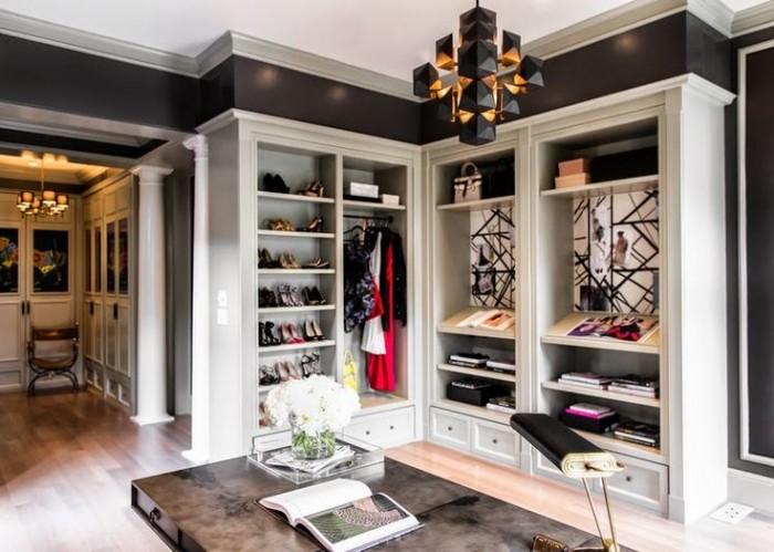 Черно-белый дизайн шкафа придает особое прикосновение к дизайну спальни хозяев  10 РОСКОШНЫХ ГАРДЕРОБОВ ДЛЯ СПАЛЬНИ 27 e1458830283300