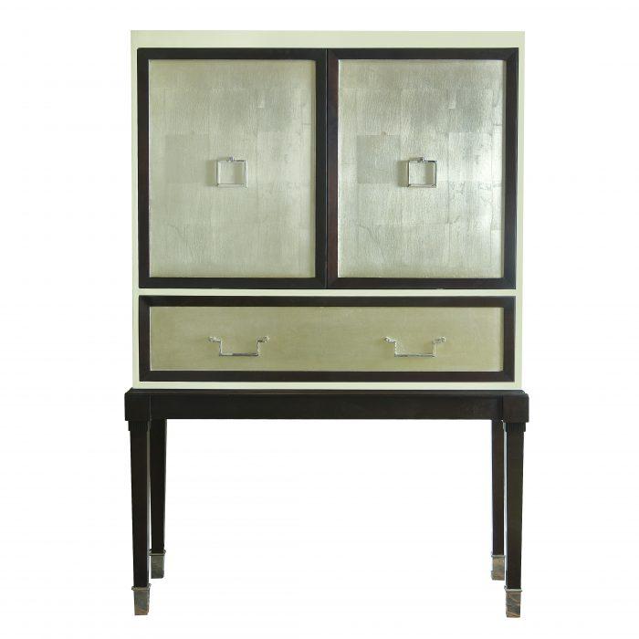 Вдохновение для проекта Серебряные буфеты и шкафы 5  Вдохновение для проекта : Серебряные буфеты и шкафы                                                                        5 e1463069870656