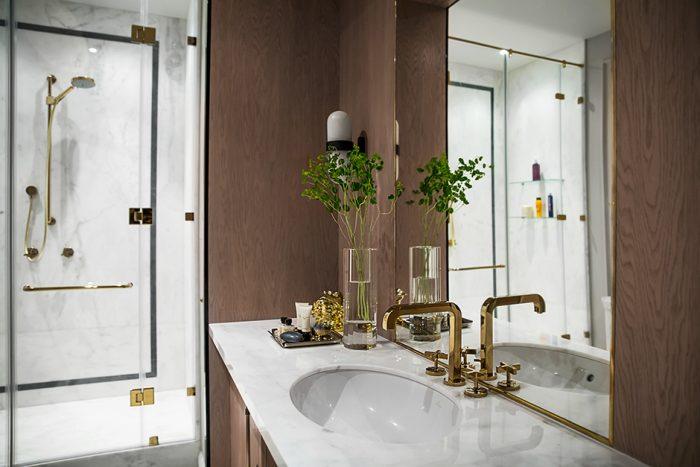 Ванная комната. Раковина, Villeroy & Boch. Смесители, Hansgrohe. Бра, Pouenat.