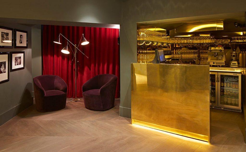 ВДОХНОВЛЯЮЩИЙ ДИЗАЙН ИНТЕРЬЕРА РЕСТОРАНА CHRISTOPHER'S, ЛОНДОН дизайн интерьера ресторана Вдохновляющий дизайн интерьера ресторана CHRISTOPHER'S, Лондон 4 5 1024x632
