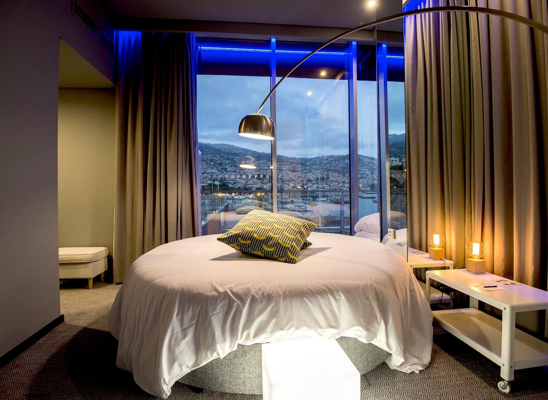 Криштиану Роналду  Новый отель от Криштиану Роналду на Мадейре (португальский дизайн) 24b1bfcec251549500f4aef6661241b3745cc7cc