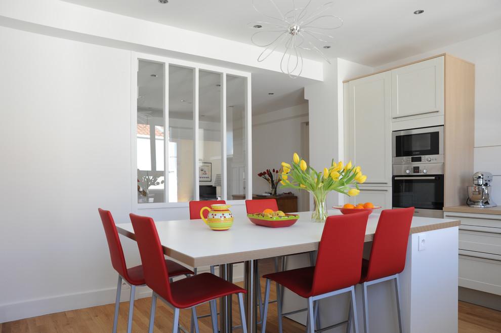 дизайнерских идей дизайнерских идей 10 дизайнерских идей, которые наверняка улучшат качество Вашей жизни Lovely Chez Larsson decorating ideas for Kitchen Contemporary design ideas with Lovely bar pulls glass