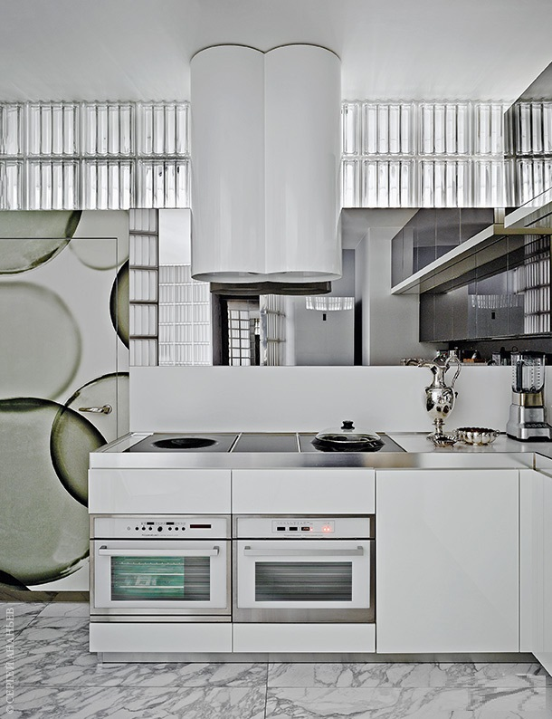 Майк Шилов и интерьер его собственной квартиры  Майк Шилов и интерьер его собственной квартиры  Quality97  Quality97 ad 06 w