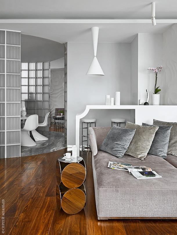 Майк Шилов и интерьер его собственной квартиры  Майк Шилов и интерьер его собственной квартиры  Quality97  Quality97 ad 02 w