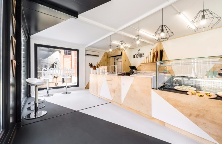 Кафе-мороженое Lodovnia в стиле панк в Познани Кафе-мороженое lodovnia Кафе-мороженое Lodovnia в стиле панк в Познани MA245 Lodovnia HR 15