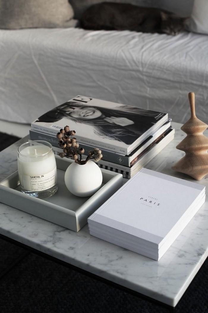 журнальный столик журнальный столик 8 Идей как декорировать журнальный столик с помощью книг 8 Ways Your Books Can Be A Perfect D  cor For Your Coffee Table