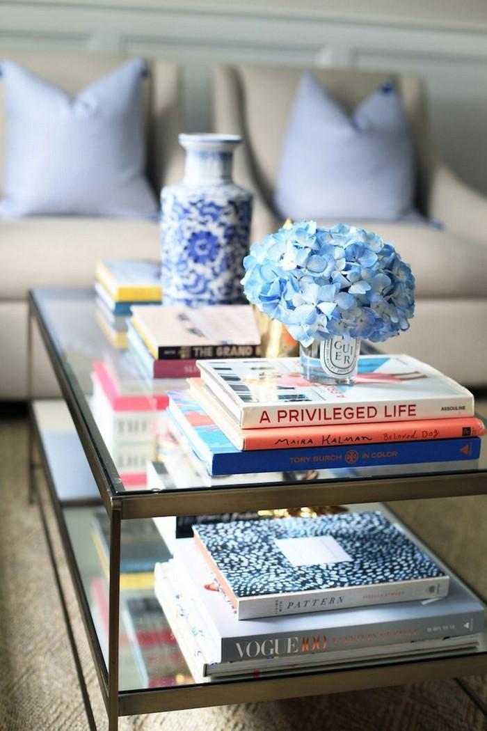 журнальный столик журнальный столик 8 Идей как декорировать журнальный столик с помощью книг 8 Ways Your Books Can Be A Perfect D  cor For Your Coffee Table1