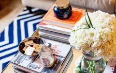 журнальный столик 8 Идей как декорировать журнальный столик с помощью книг 8 Ways Your Books Can Be A Perfect D  cor For Your Coffee Table1