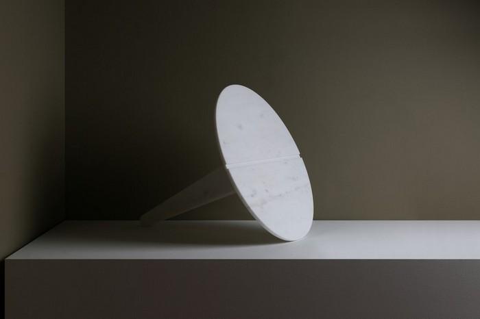 маленькие боковые столики маленькие боковые столики Миниатюрные боковые столики от Ричарда Ясмина Nail Shaped Side Tables by Richard Yasmine11