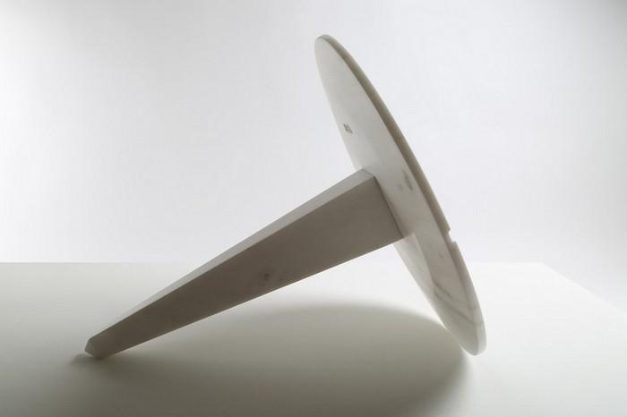 маленькие боковые столики маленькие боковые столики Миниатюрные боковые столики от Ричарда Ясмина Nail Shaped Side Tables by Richard Yasmine5