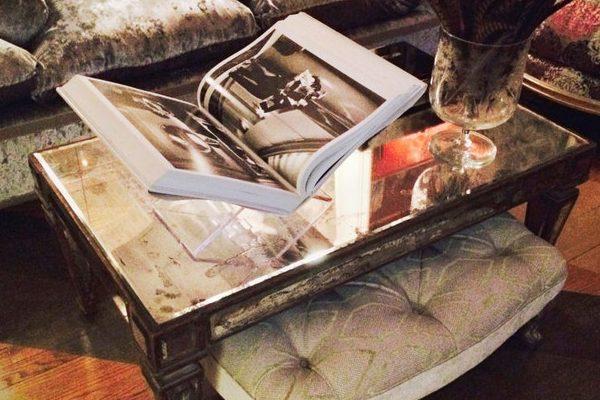 журнальный столик Как правильно стилизировать журнальный столик Designers Tips For Styling Your Coffee Table10 e1505223492176 600x400