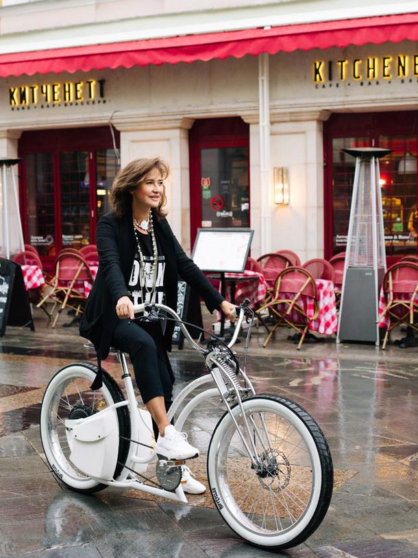 Татьяна Миронова Татьяна Миронова Выдающийся дизайнер интерьеров Татьяна Миронова создала велосипед!  Quality97  Quality97 w I41A2860