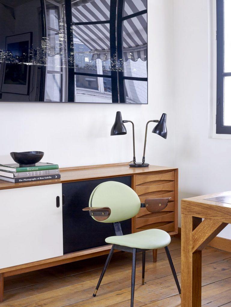 Эклектичное сочетание винтажной мебели в парижском лофте парижском лофте Эклектичное сочетание винтажной мебели в парижском лофте House Tour An Eclectic Mix of Vintage Furniture in a Paris Loft 6 1020x1359