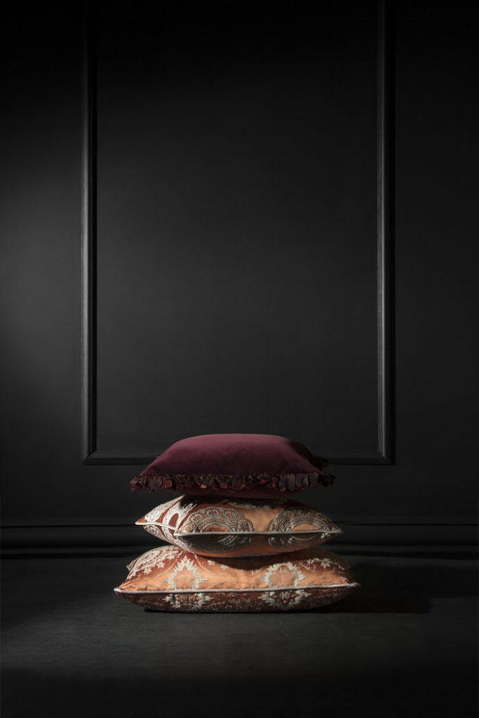 Декоративные подушки Декоративные подушки: время обращать внимание на детали rsz brabbus classic pillows 2