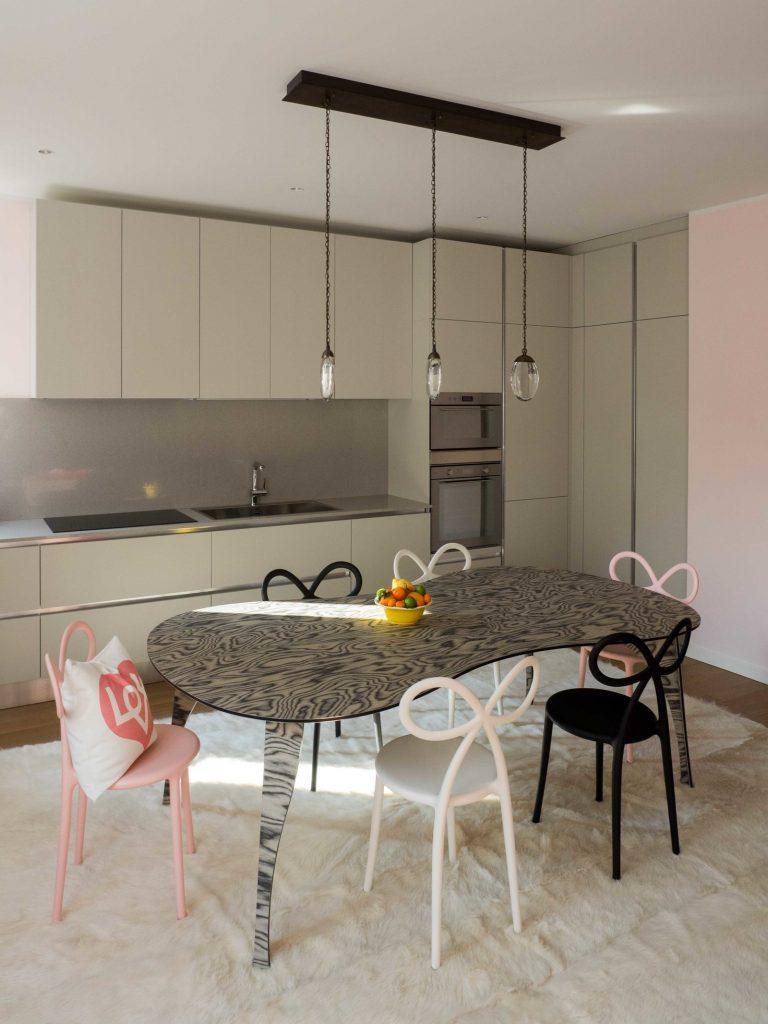 Цвета миланской квартиры были вдохновлены дизайном дивана Цвета Цвета миланской квартиры были вдохновлены дизайном дивана GG AD SWIG HIRES 3
