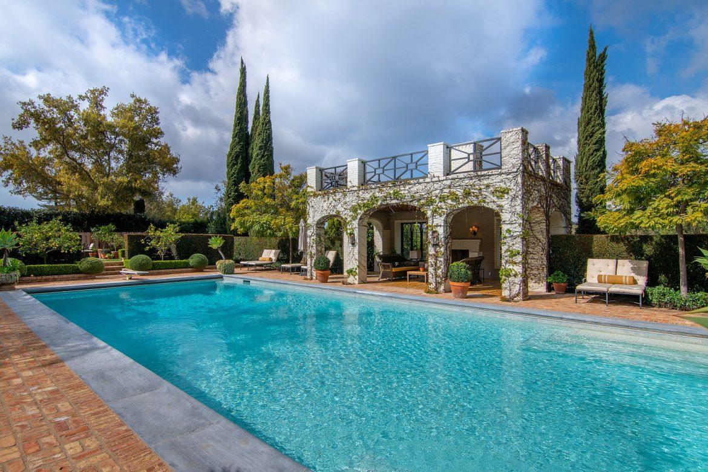 Особняк ценой в 29,5 миллиона долларов, Калифорния Особняк Особняк ценой в 29,5 миллиона долларов, Калифорния 299NorthSaltairAvenue