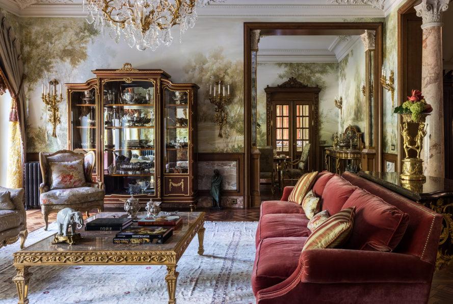Дом в стиле французского шато в Подмосковье